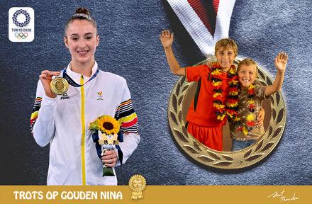 Gouden photobooth tijdens huldiging Nina Derwael in Sint-Truiden - Foto 1