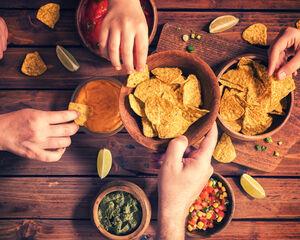 23 idées de bar Nacho pour ravir les invités de votre événement
