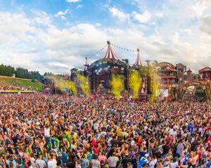 """Premier ministre belge: """"De grands festivals dans la seconde moitié de l'été devraient être possibles"""""""